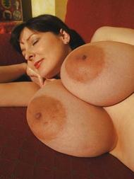 Mittelalter Frauen Brustbilder